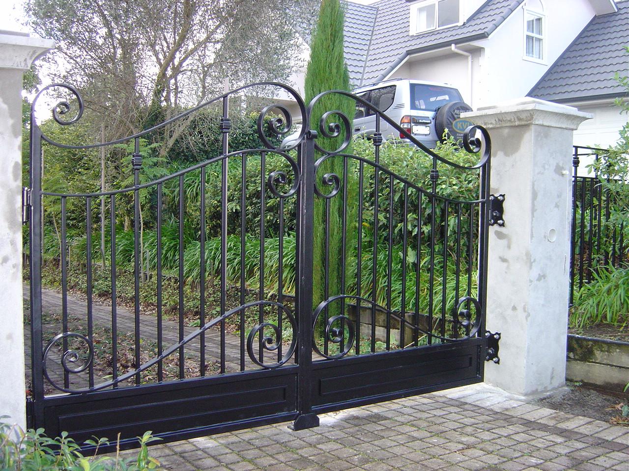 The problem with sliding gates